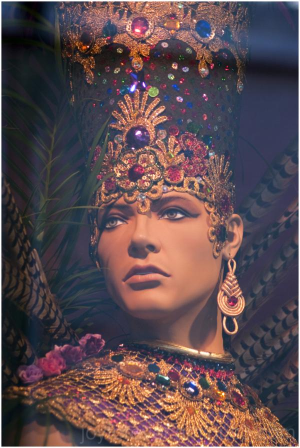 Macy's Manhattan Mannequin store Brazil man