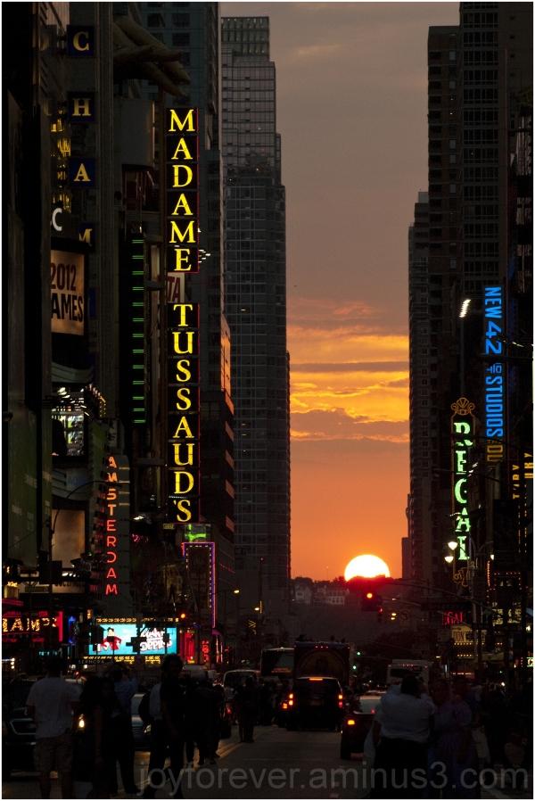 Manhattanhenge Manhattan sunset 42nd-street NYC