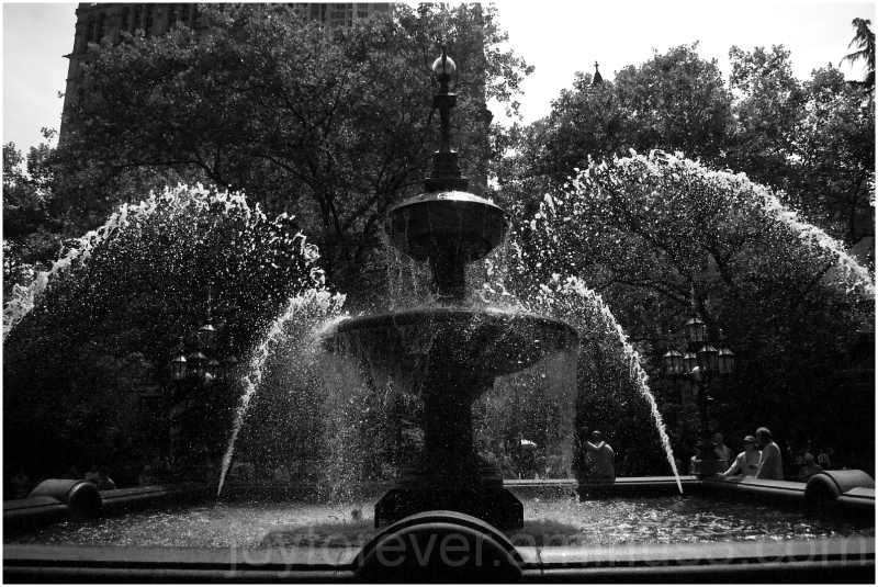 fountain City-Hall-Park New-York-City B&W