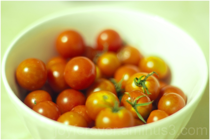 Cherry-tomatoes tomatoes vegetable food close-up