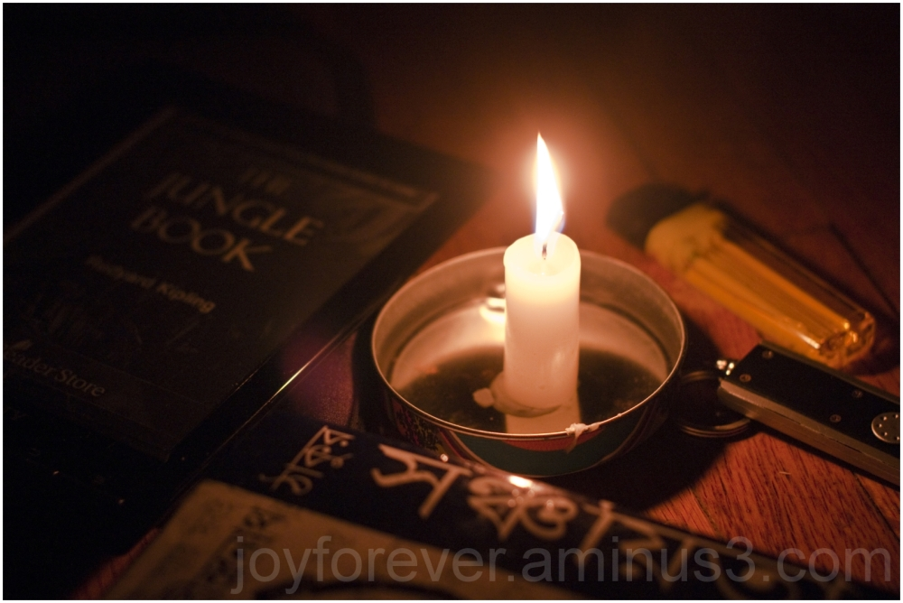 hurricane Sandy storm powercut candle books NJ