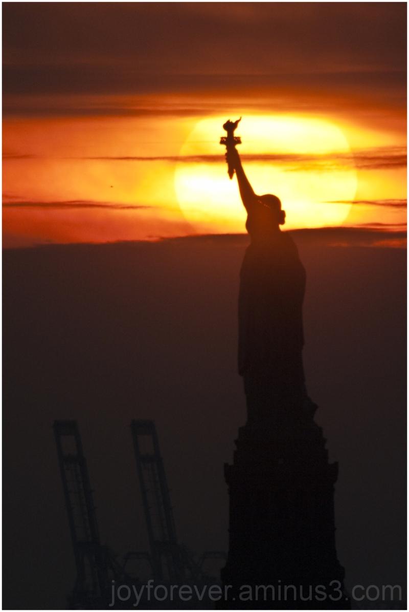 statue-of-liberty liberty statue sunset new-york