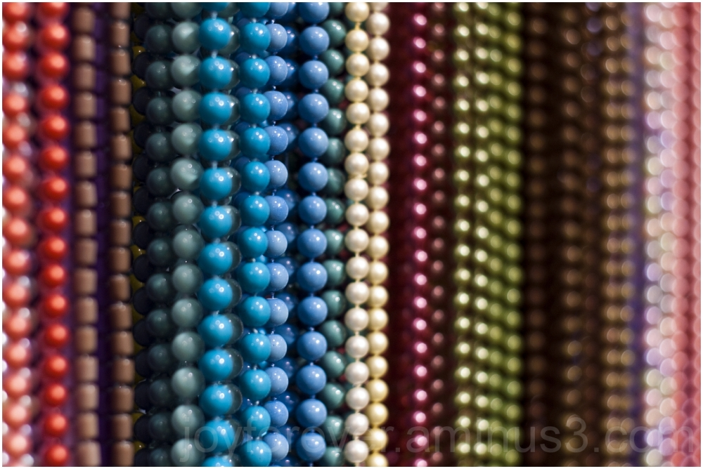 beads necklace jewelry close-up bokeh NYC