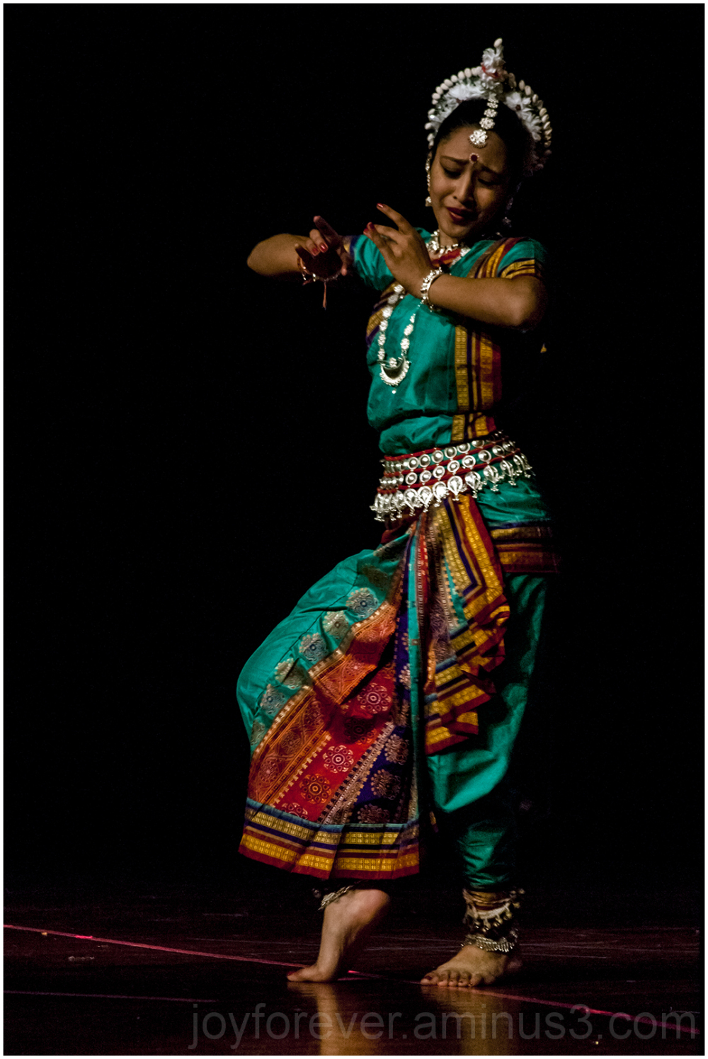Indian classical dance dancer girl woman Odissi