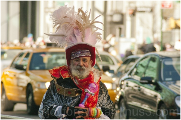 colorful old man costume New-York NYC Thanksgiving