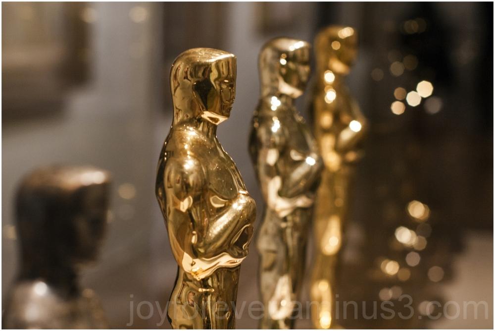 Oscar academy-award statuette sculpture golden