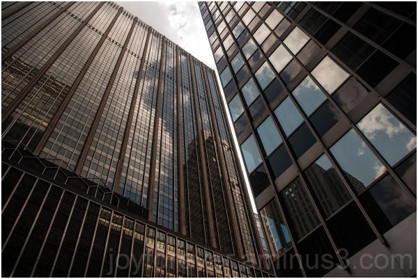 building skyscraper glass Manhattan New-York-City