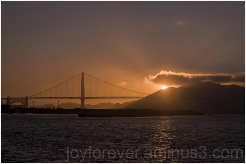 sunset GoldenGateBridge SanFrancisco California