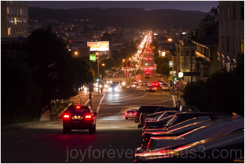 SanFrancisco Lombard Street california night cars