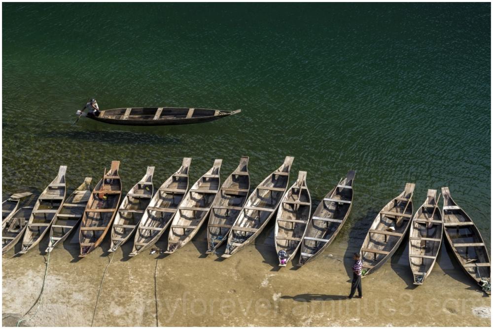 Dawki river water boat Meghalaya India