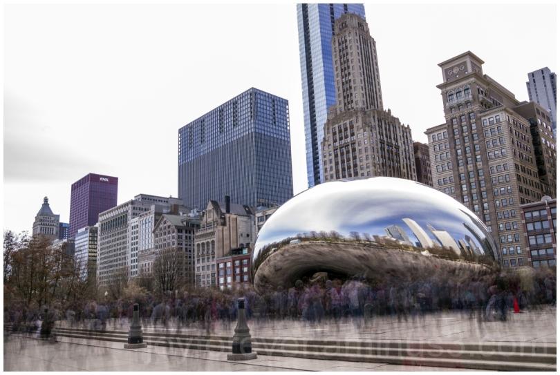 cloudgate chicago bean milleniumpark crowd blur