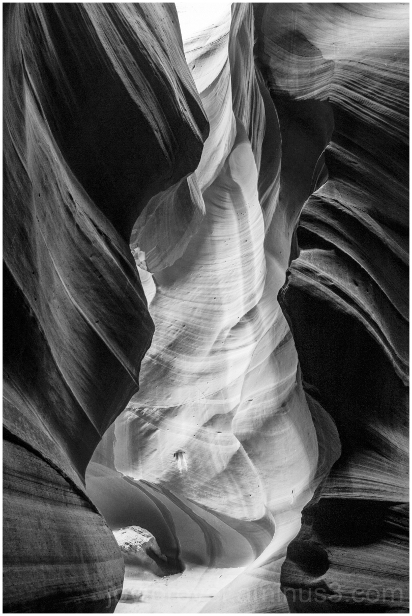 AntelopeCanyon Arizona Rock Cliff B&W Black&White