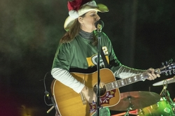 CanadianPacific HolidayTrain  TerriClark Singer WI