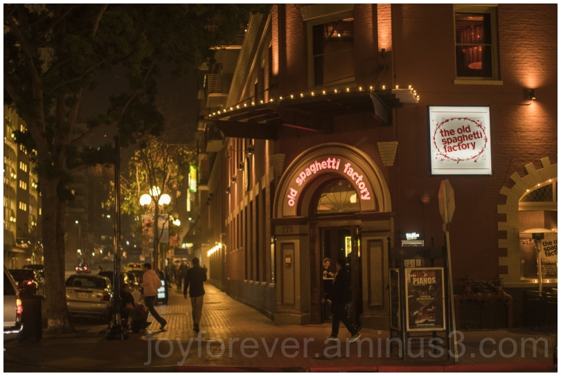 SanDiego California night street restaurant