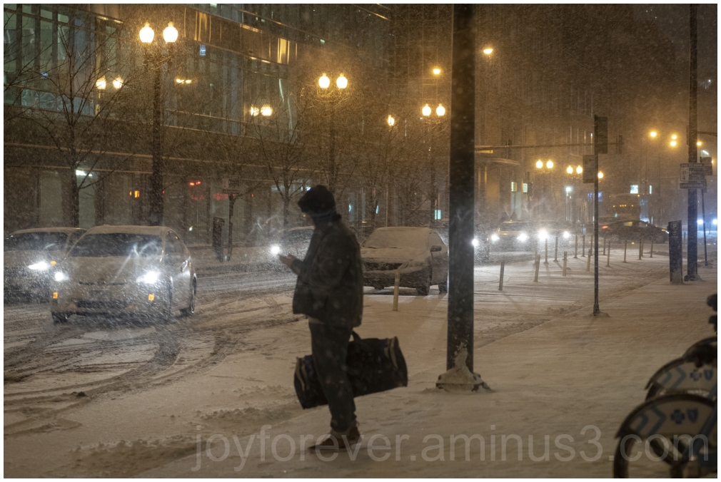chicago snow snowstorm night USA winter cold IL