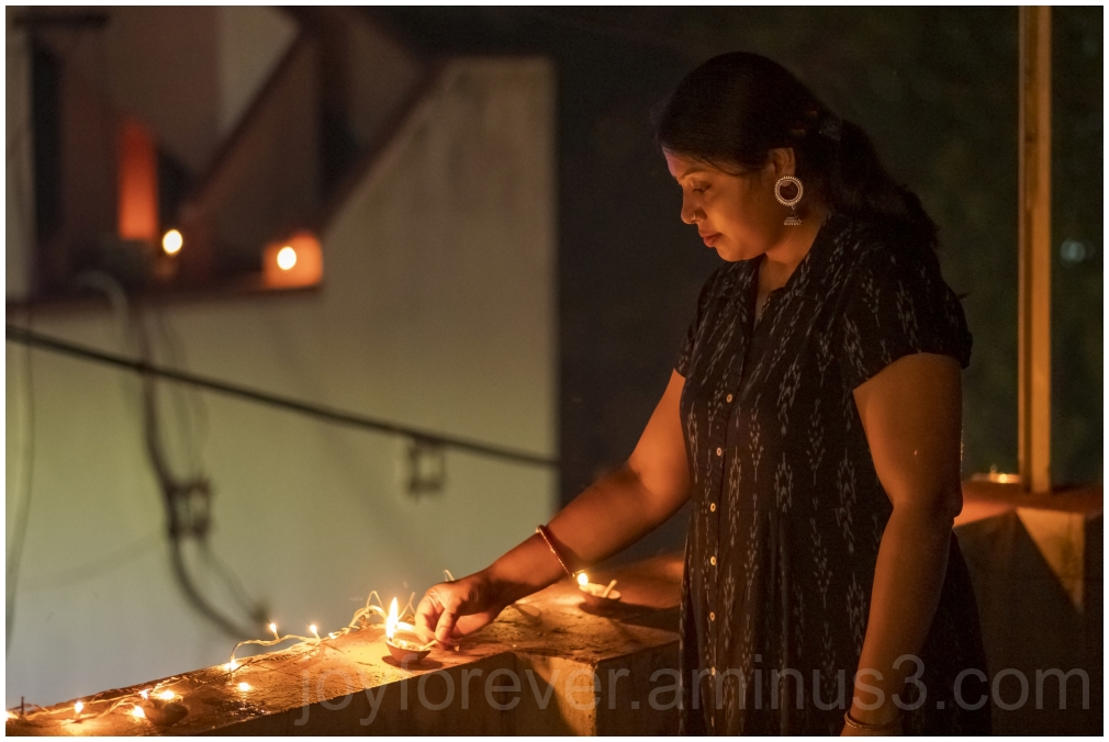 deepavali diwali india festival lamp woman light