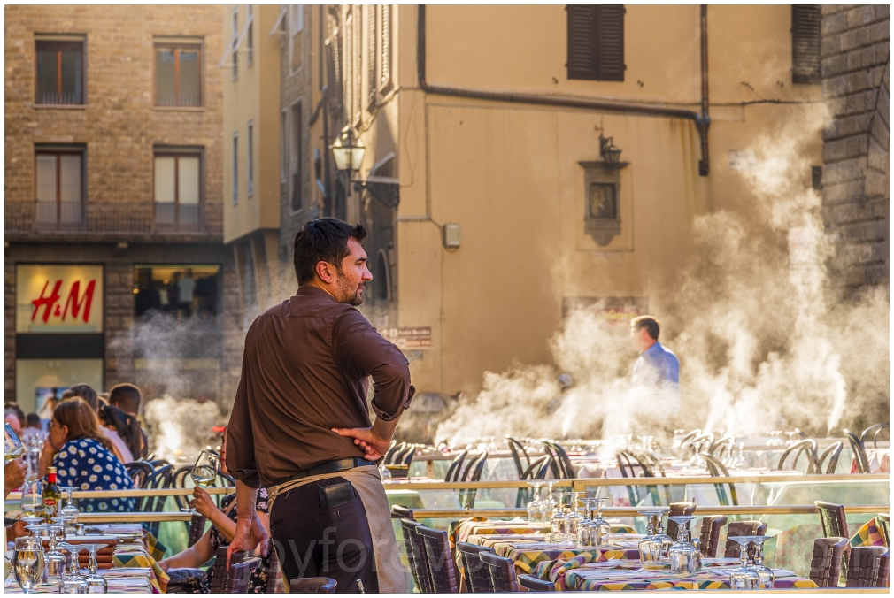 Italy florence restaurant waiter smoke steam