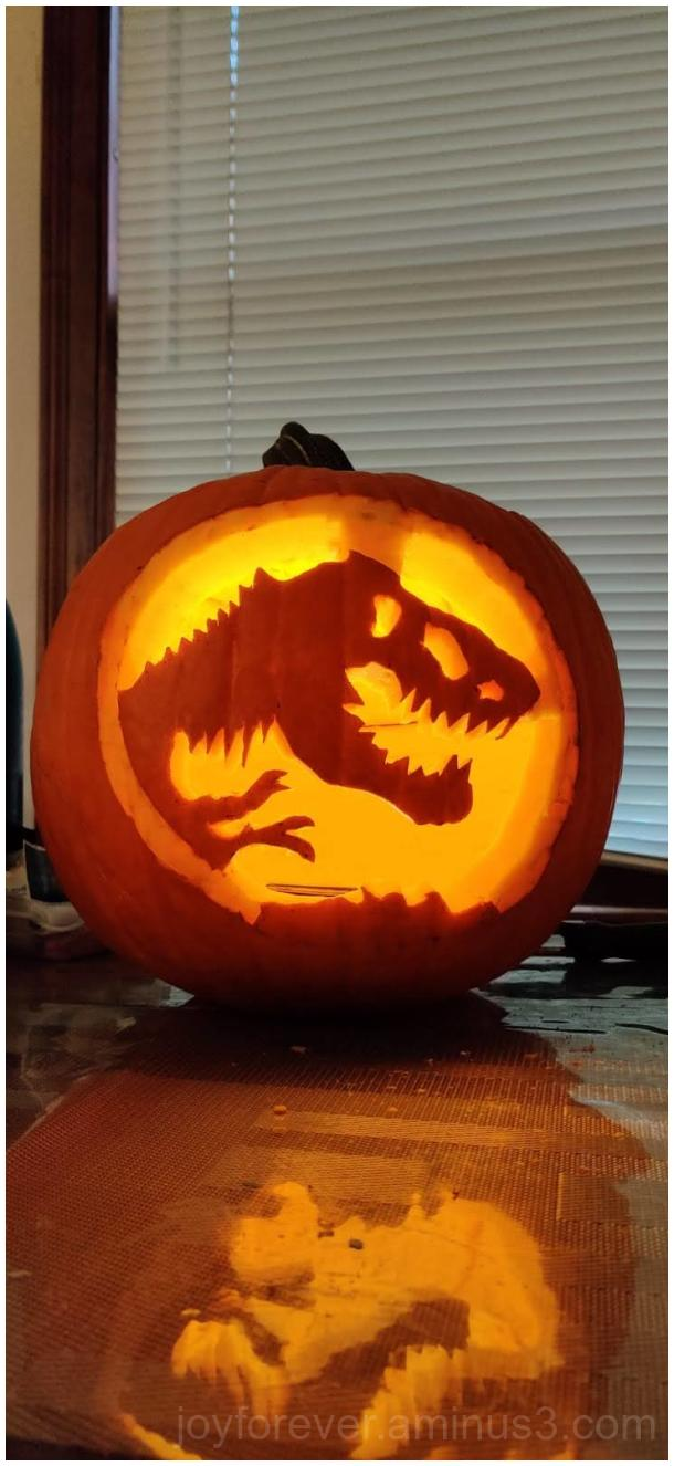 Dinosaur pumpkin carving Halloween Jurassic T-Rex