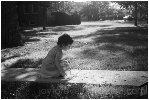 35mm film blackandwhite B&W child garden Ilford