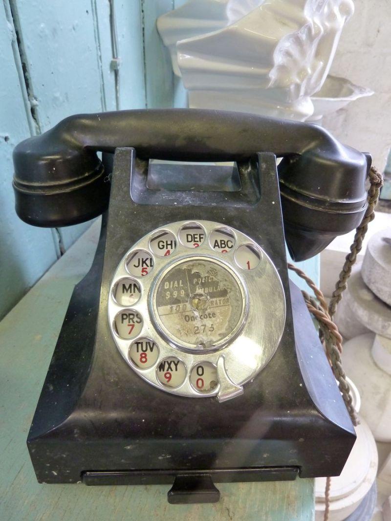 telephone always rings fin boy three dark dude