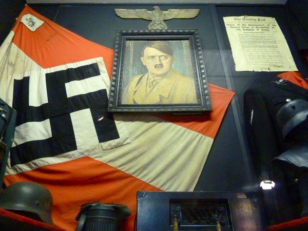 nazi punks fuck off dead kennedys dark dude