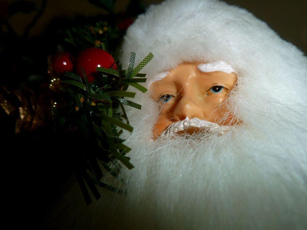 i saw daddy kissing santa claus dark dude