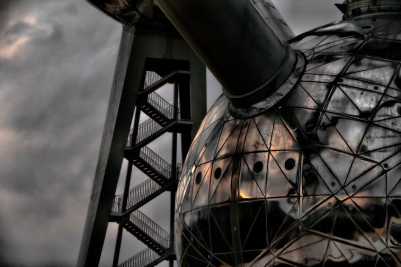 Atomium 4/5 (c) Alexandre Hermans 2009