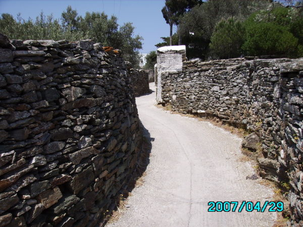 Stone-walled walkway in Sifnos
