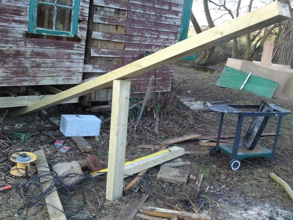 How to lift a shed on your own