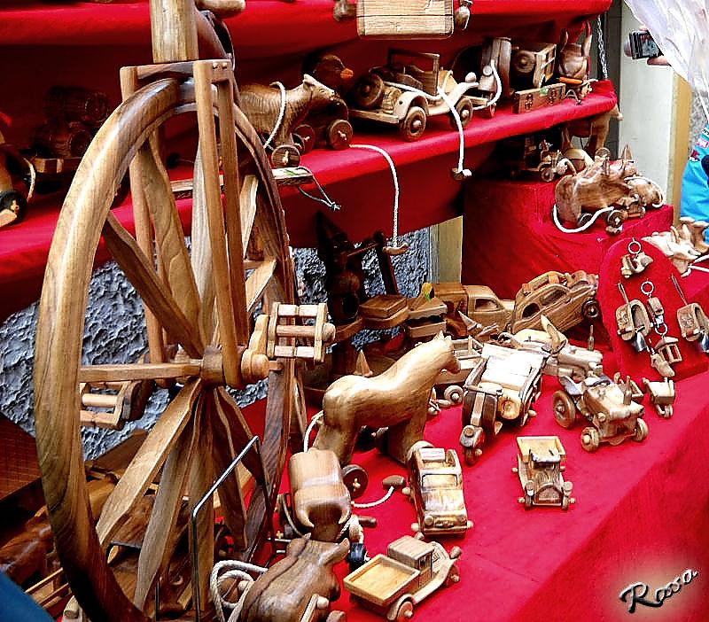Fiera artigianale S.Orso Aosta Giocattoli di legno