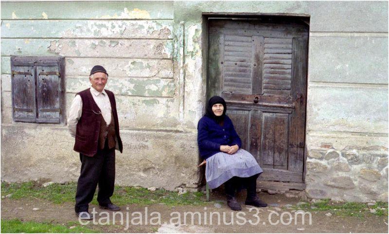 Romanian peasants Gallery