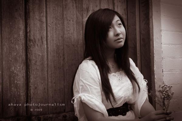 sepia wood girl