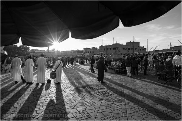 Sombras en Djemaa El-Fna