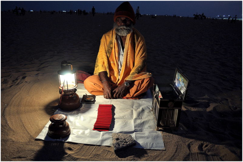 fortune teller on the beach