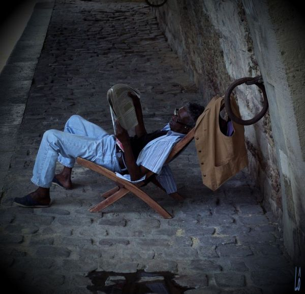 Sous les ponts de Paris, se cache ...
