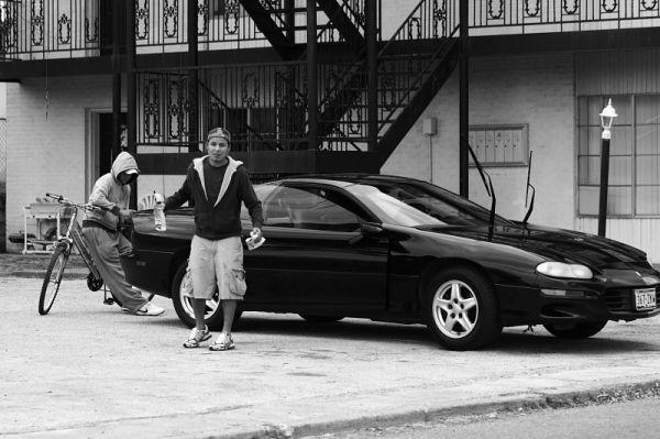 guy washing his car