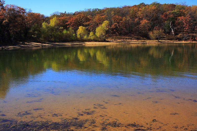 fall colors at lake ray roberts texas