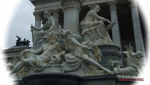 Great statues of Wien 4*