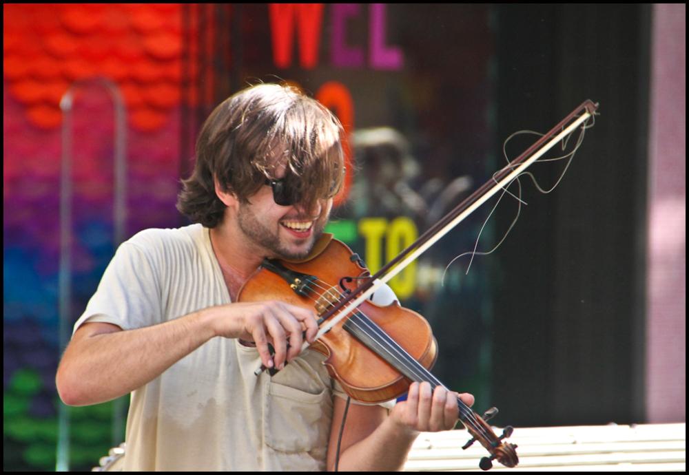 Faces of Melbourne: Happy Fiddler
