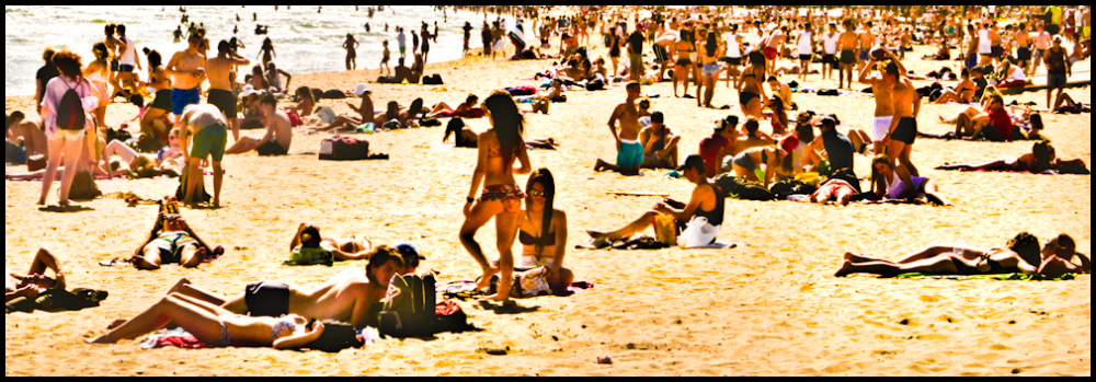 Summer in the city by the sea