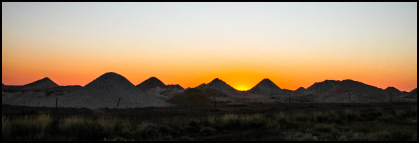 Roadtrip: Sunrise on the Opal mines 2