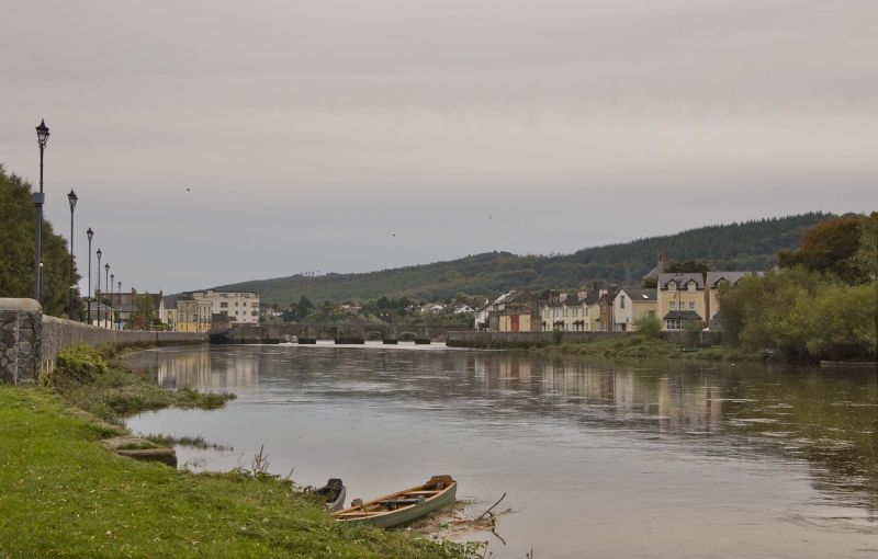 Carrick-on-suir river view