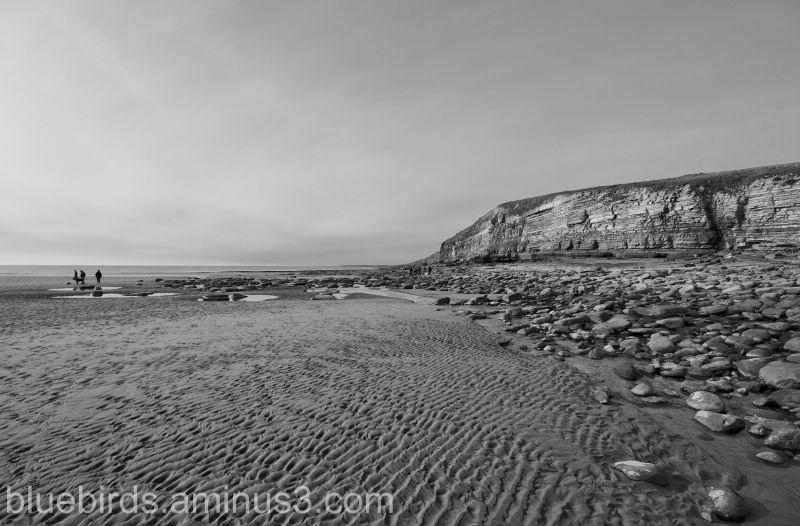 Dunraven Bay Beach Scene