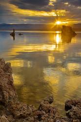 Sun rises above Mono Lake
