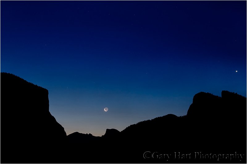 Crescent moon and Venus rise above Yosemite Valley