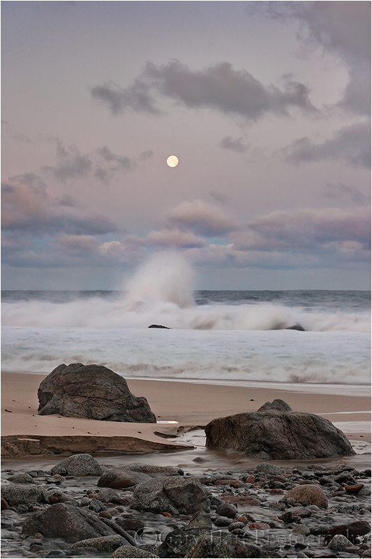 Full moon sets toward the Pacific at sunrise