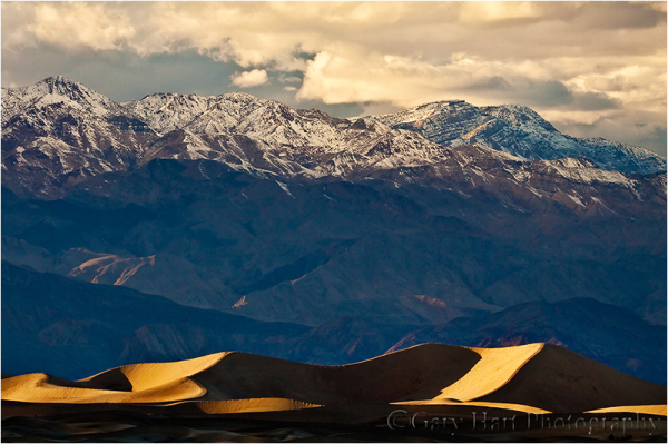 Last light on the dunes, Death Valley