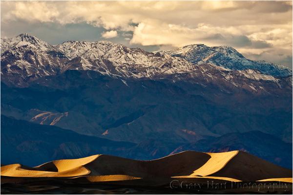 Last light on the dunes, Death Valley