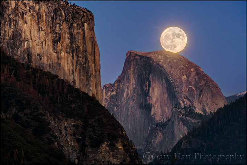 Supermoon, Half Dome and El Capitan, Yosemite