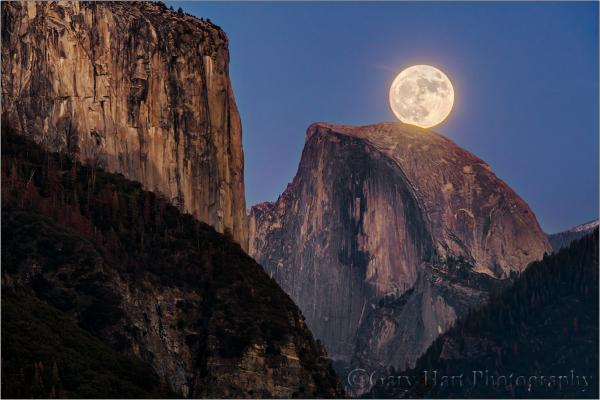 Supermoon, Half Dome and El Capitan, Yosemite